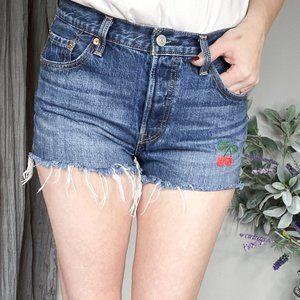 LEVI 501 high waist cut off jean shorts cherry 621